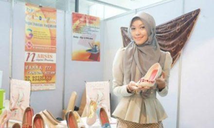 Andina Nabila Irvani – Jutawan Sepatu Lukis