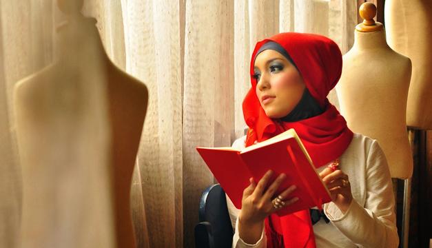 Nanida Jenahara Nasution – Hijab Designer pendiri Hijabers Community