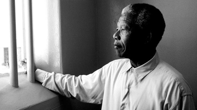 Nelson Mandela – Berjuang Melawan Politik Rasis Apartheid