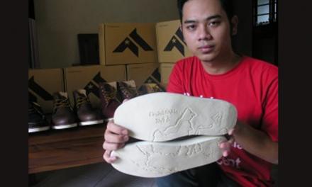 Fauzan Efwandaputra – Berbisnis Sepatu Premium dengan Peta Indonesia dan Aksara Sunda