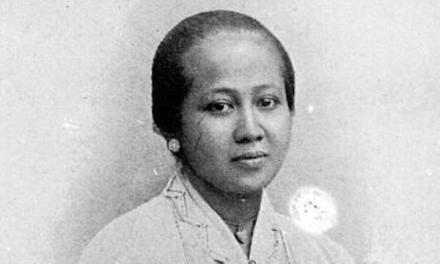 RA Kartini – Pejuang Emansipasi Wanita