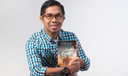 Ahmad Fuadi – Penulis Novel Negeri 5 Menara