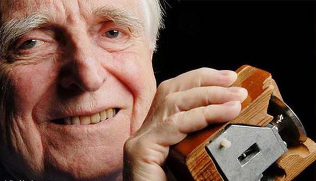 Douglas Engelbart – Penemu Mouse Komputer